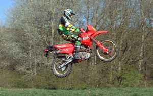 Dez's Domi doing abit of low flying!